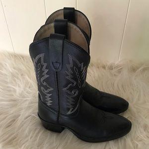 Danpost Boot Company